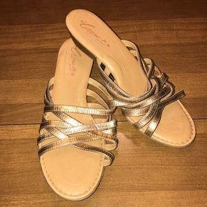 Crown gold sandal